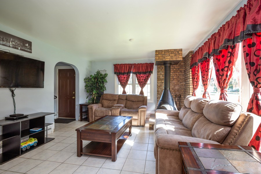 Real Estate Photography - 402 S Addison, Bensenville, IL, 60106 - Living Room