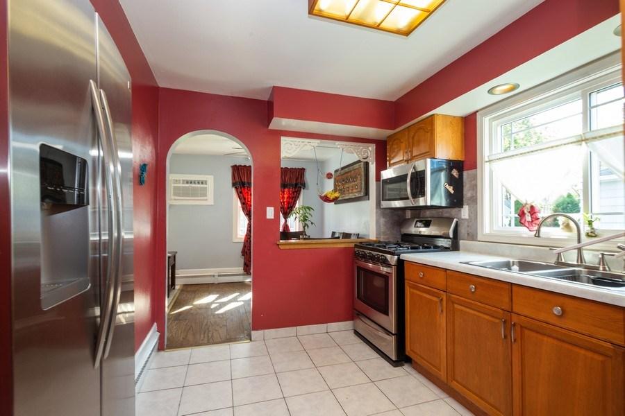 Real Estate Photography - 402 S Addison, Bensenville, IL, 60106 - Kitchen