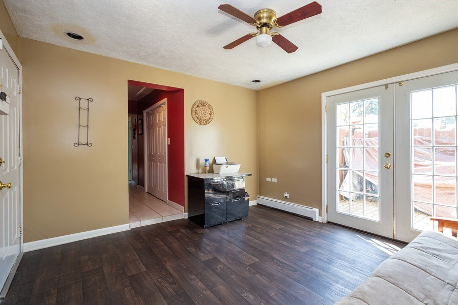 Real Estate Photography - 402 S Addison, Bensenville, IL, 60106 - Family Room