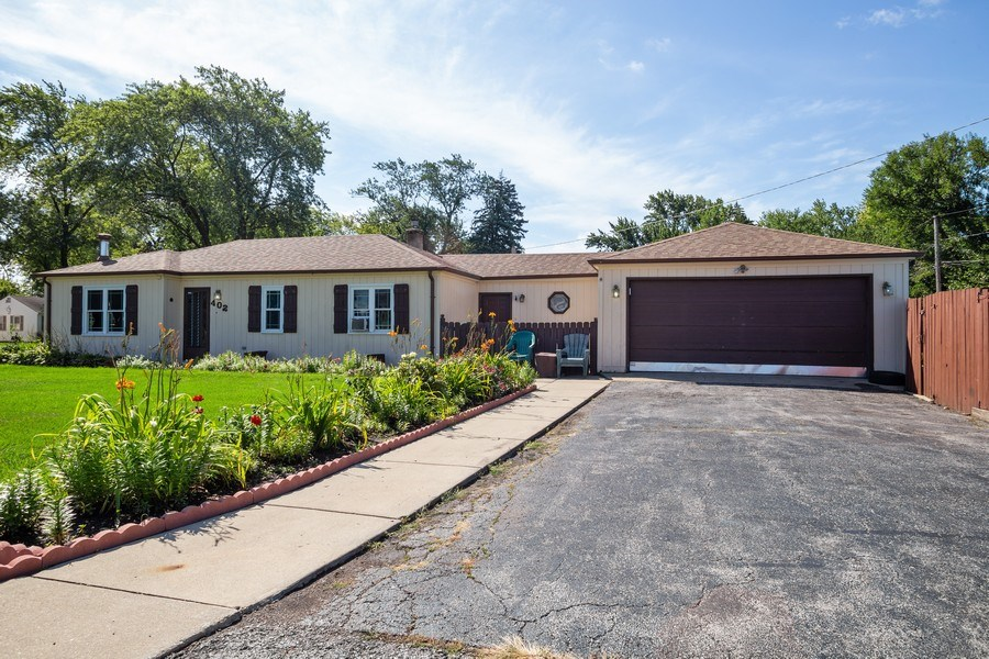 Real Estate Photography - 402 S Addison, Bensenville, IL, 60106 - Front View