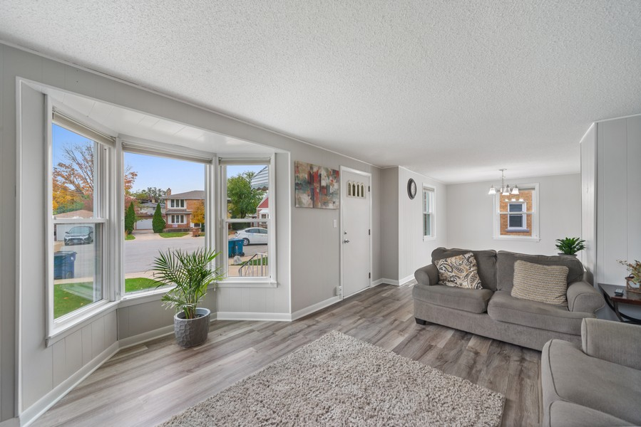 Real Estate Photography - 3512 Desota Ct, Franklin Park, IL, 60131 - Living Room