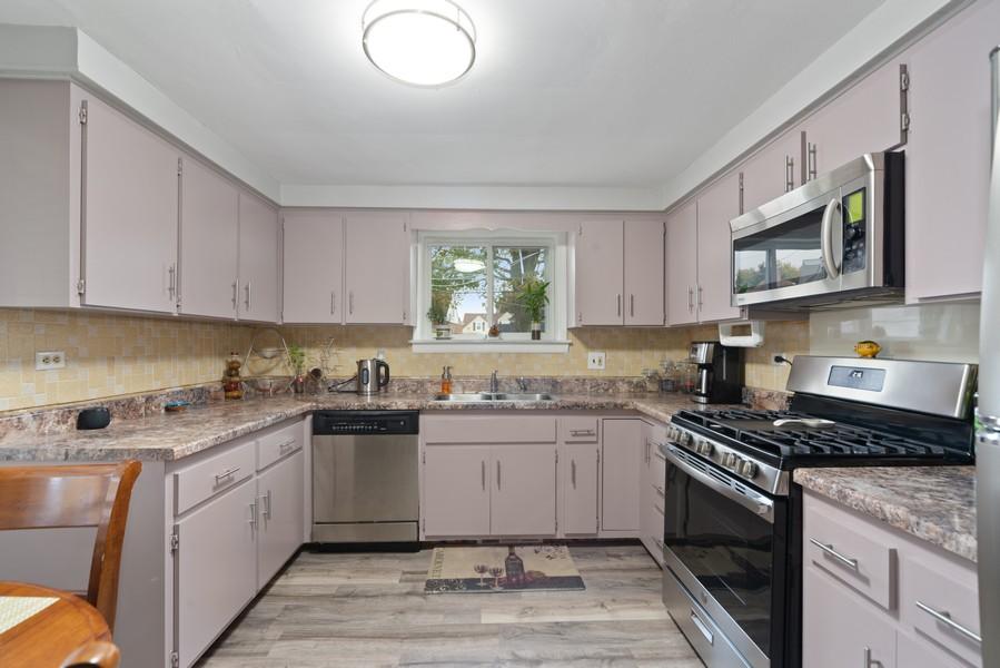 Real Estate Photography - 3512 Desota Ct, Franklin Park, IL, 60131 - Kitchen