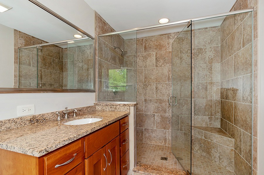 Real Estate Photography - 27W234 Warrenville Ave, Wheaton, IL, 60189 - Private Bath for Bedroom 3