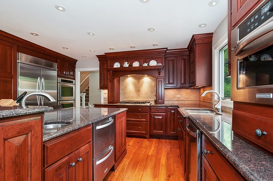Real Estate Photography - 27W234 Warrenville Ave, Wheaton, IL, 60189 - Kitchen