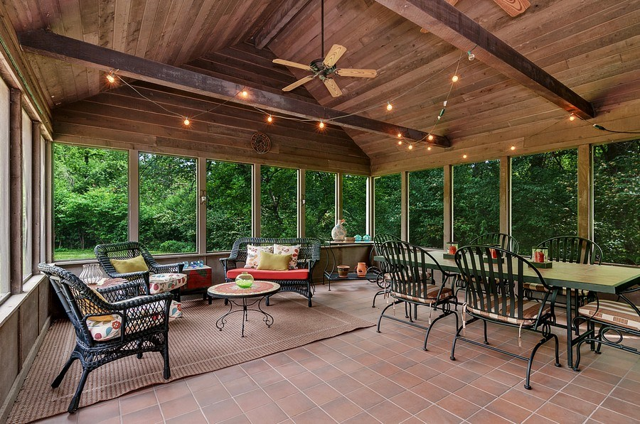 Real Estate Photography - 27W234 Warrenville Ave, Wheaton, IL, 60189 - Screened Porch
