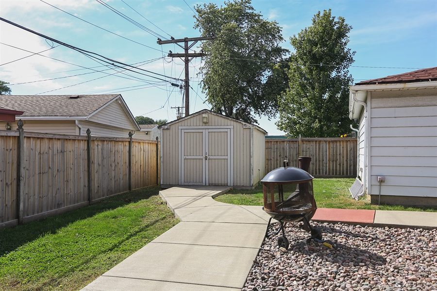 Real Estate Photography - 10647 Essex St, Westchester, IL, 60154 - Back Yard