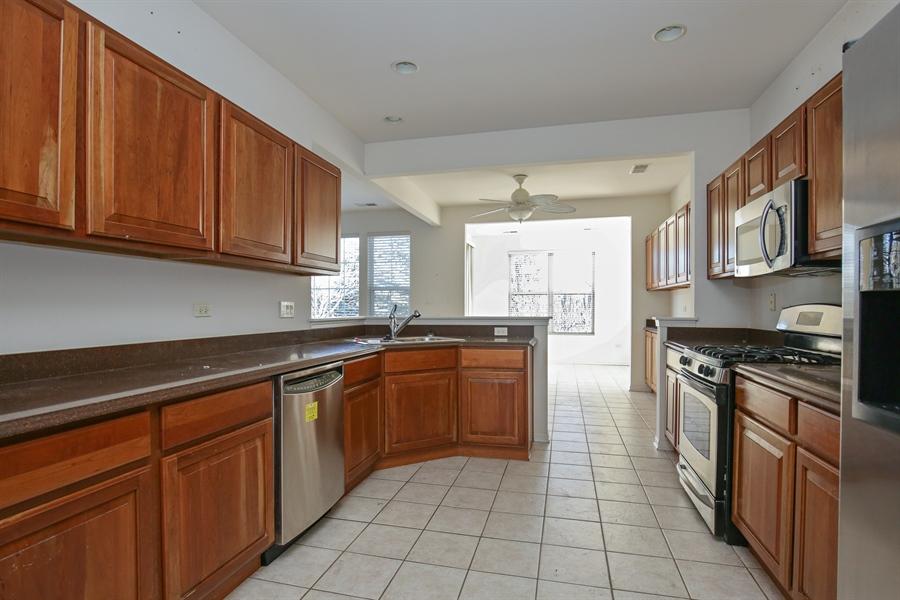 Real Estate Photography - 12112 Latham Trl, Huntley, IL, 60142 - Kitchen