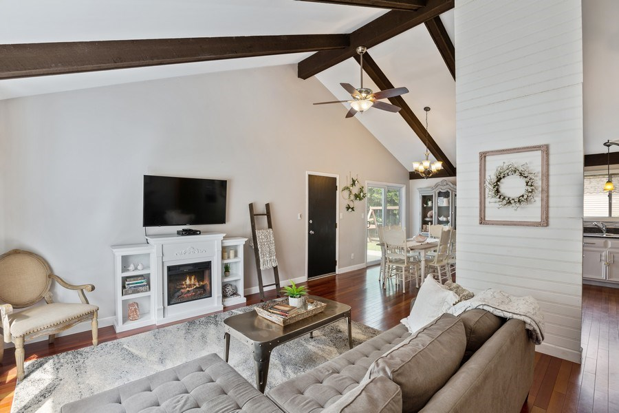 Real Estate Photography - 5112 Cambridge Dr, McHenry, IL, 60014 - Living Room