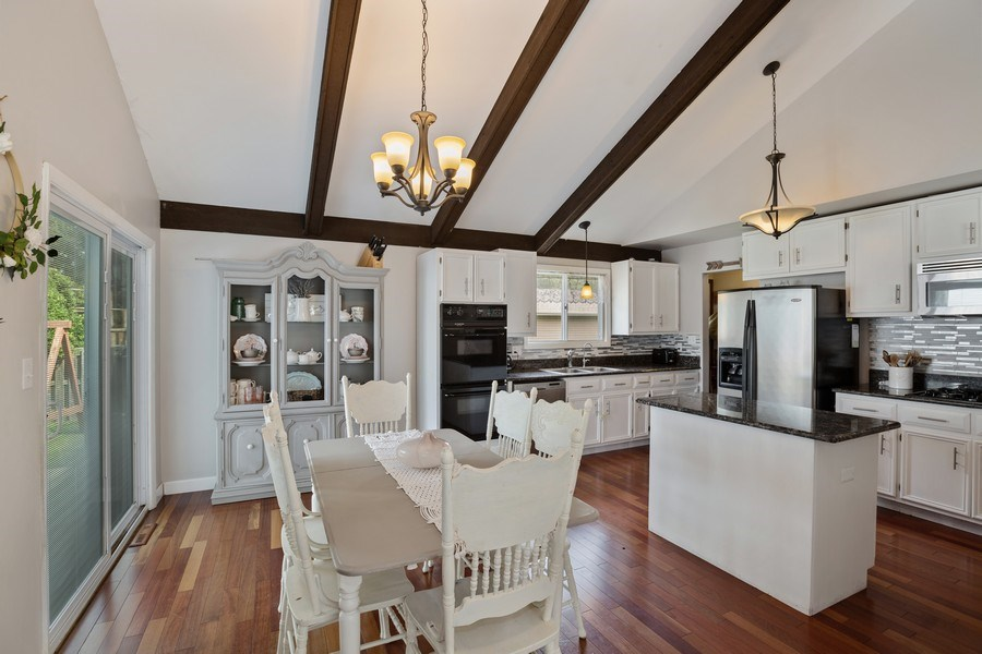 Real Estate Photography - 5112 Cambridge Dr, McHenry, IL, 60014 - Dining Room