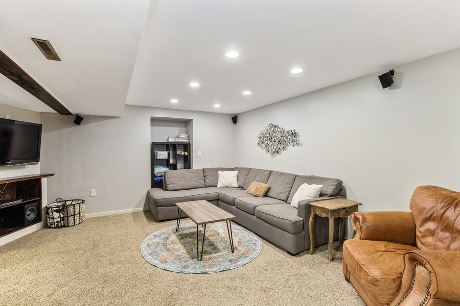 Real Estate Photography - 5112 Cambridge Dr, McHenry, IL, 60014 - Family Room