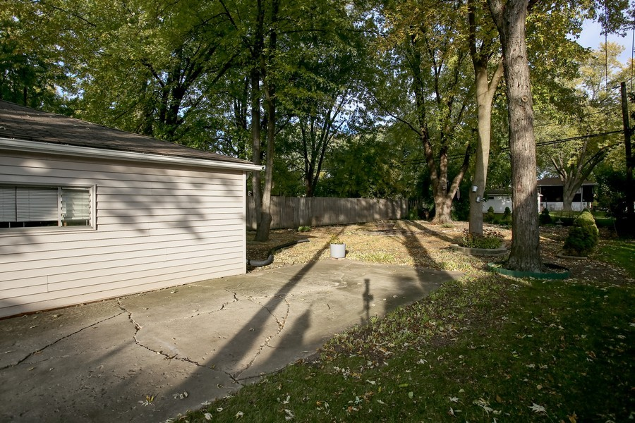 Real Estate Photography - 5829 S Lee Avenue, Downers Grove, IL, 60516 - Back Yard