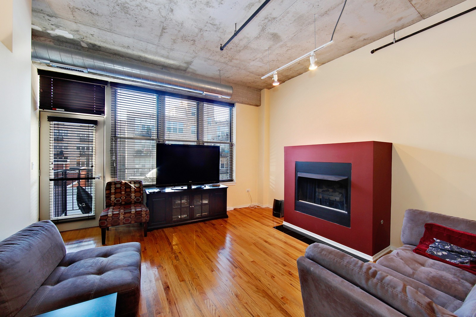 Real Estate Photography - 6 S Laflin, 524, Chicago, IL, 60607 - Living Room