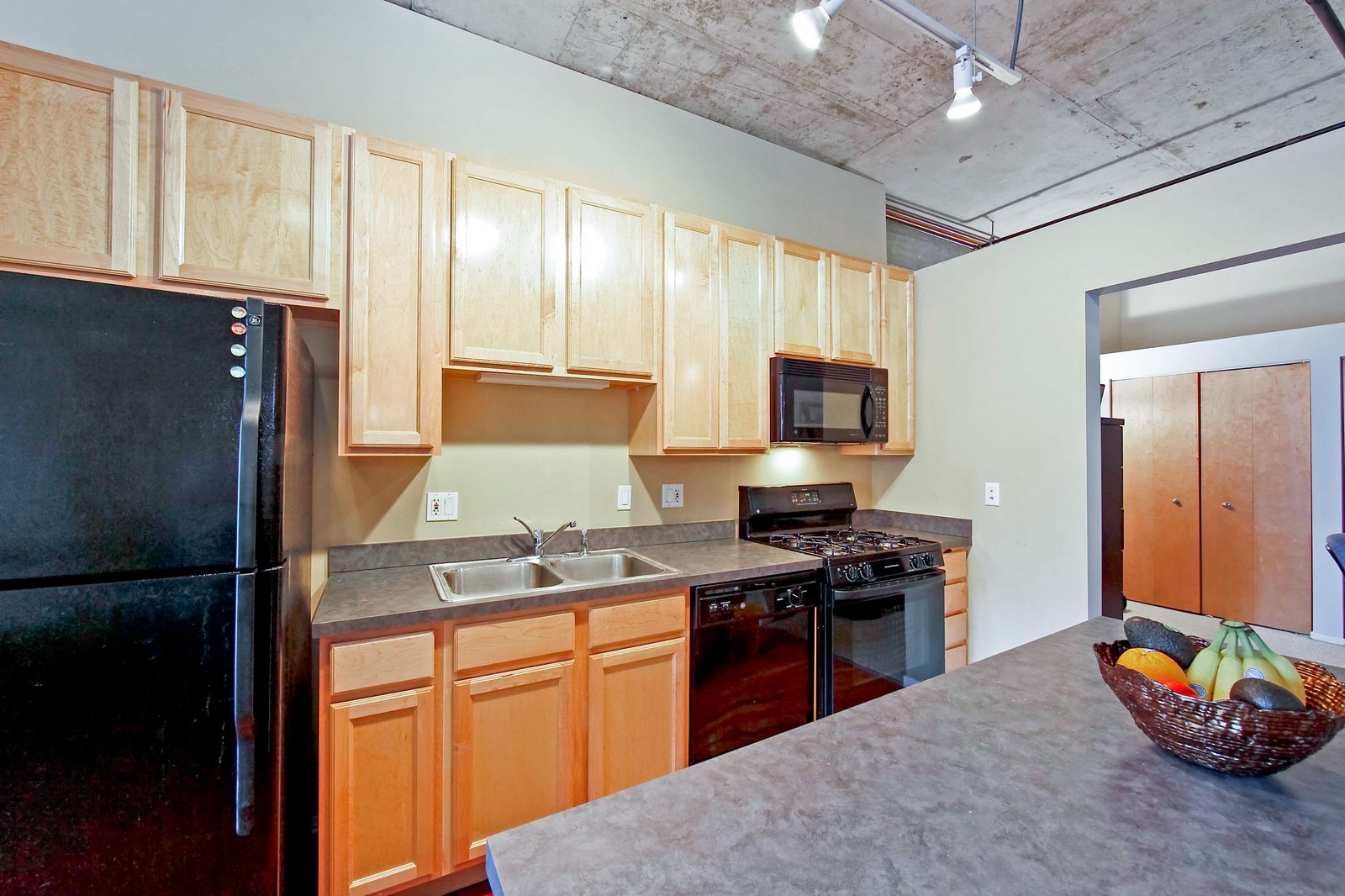Real Estate Photography - 6 S Laflin, 524, Chicago, IL, 60607 - Kitchen