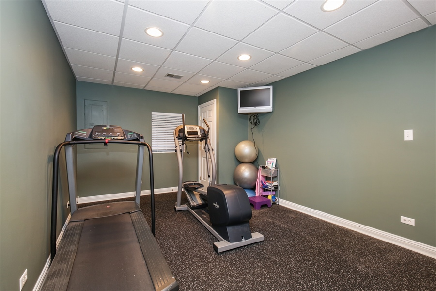 Real Estate Photography - 1285 Shoreside Ct, Palatine, IL, 60067 - Exercise Room