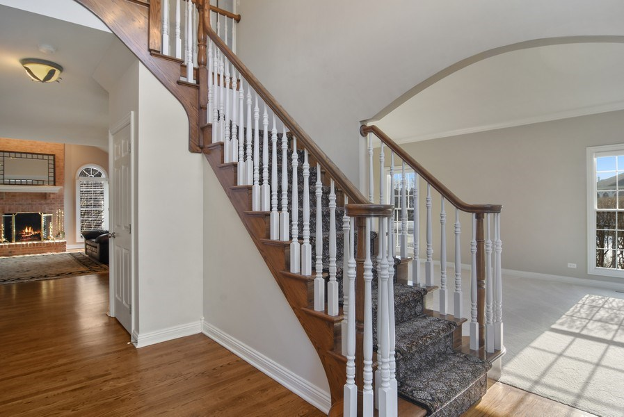 Real Estate Photography - 1285 Shoreside Ct, Palatine, IL, 60067 - Foyer