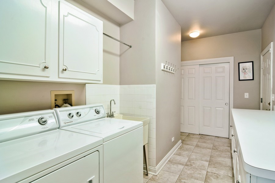 Real Estate Photography - 1285 Shoreside Ct, Palatine, IL, 60067 - Laundry Room