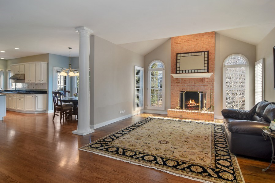 Real Estate Photography - 1285 Shoreside Ct, Palatine, IL, 60067 - Family Room / Kitchen