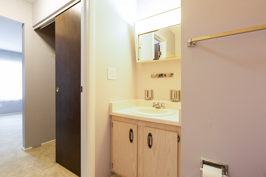 Real Estate Photography - 945 Wiltshire Dr #A, Mchenry, IL, 60050 - Master Bathroom