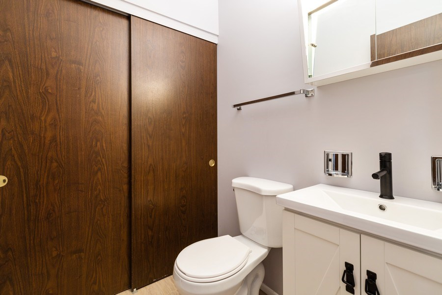Real Estate Photography - 945 Wiltshire Dr #A, Mchenry, IL, 60050 - 2nd Bathroom