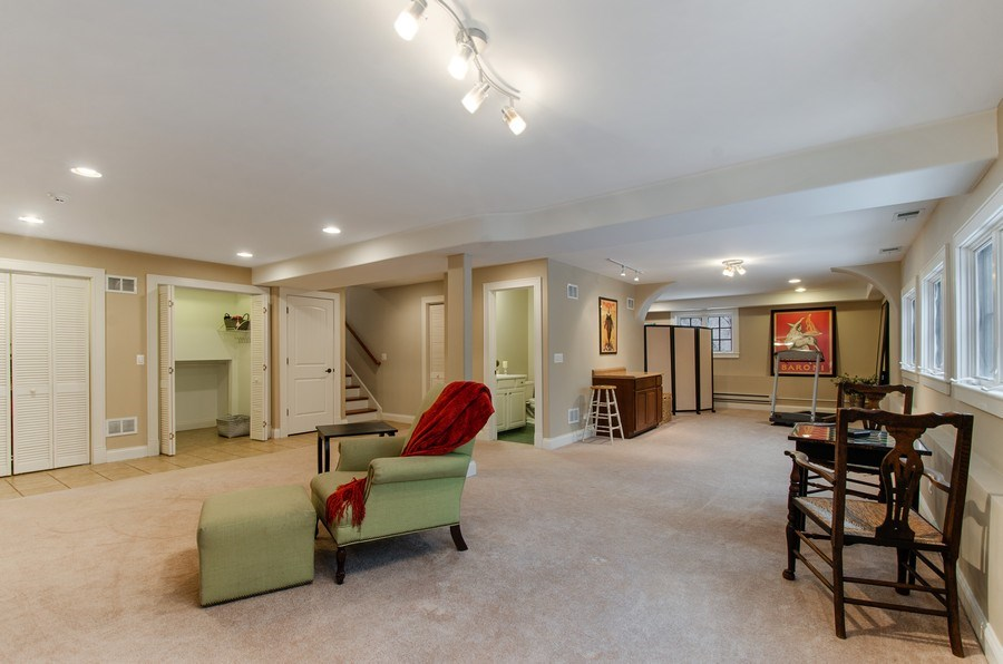 Real Estate Photography - 1450 Aurora Way, Wheaton, IL, 60189 - FULL DAYLIGHT LOWER LEVEL FOR ENTERTAINING