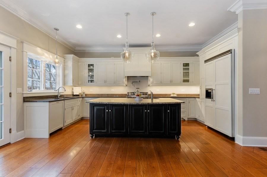 Real Estate Photography - 1450 Aurora Way, Wheaton, IL, 60189 - GRAND CUSTOM KITCHEN