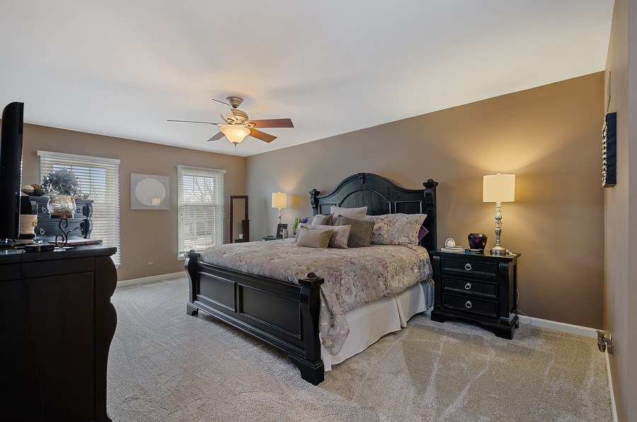 Real Estate Photography - 2S720 White Birch Lane, Wheaton, IL, 60189 - LARGE MASTER SUITE W/SPA BATH
