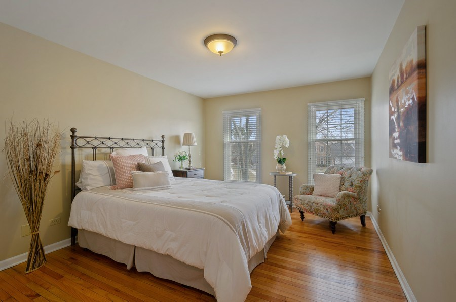 Real Estate Photography - 2S720 White Birch Lane, Wheaton, IL, 60189 - GORGEOUS HARDWOODS AND LOADS OF LIGHT