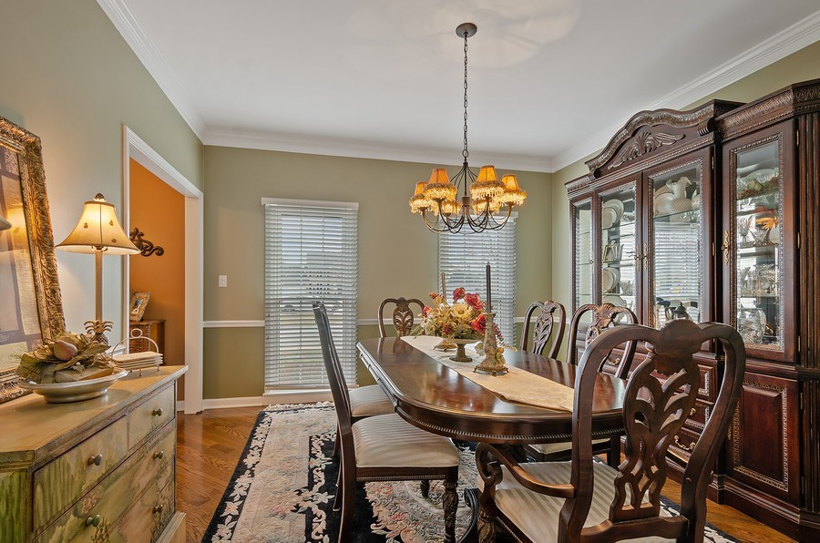 Real Estate Photography - 2S720 White Birch Lane, Wheaton, IL, 60189 - FORMAL DINING ROOM