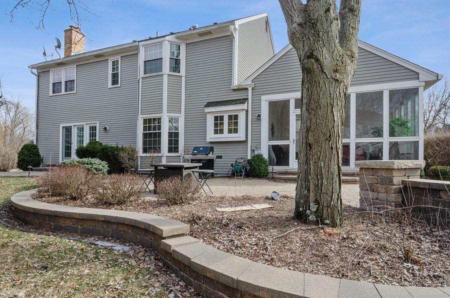 Real Estate Photography - 2S720 White Birch Lane, Wheaton, IL, 60189 - PROFESSIONALLY LANDSCAPED