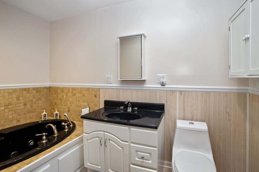 Real Estate Photography - 524 N Edgewood Ave, Wood Dale, IL, 60191 - Master Bathroom