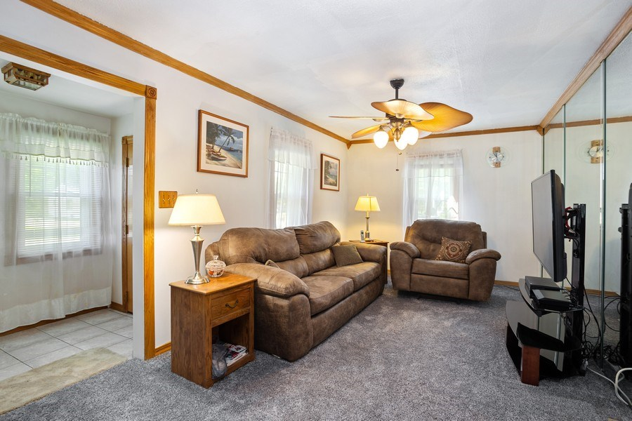 Real Estate Photography - 524 N Edgewood Ave, Wood Dale, IL, 60191 - Living Room