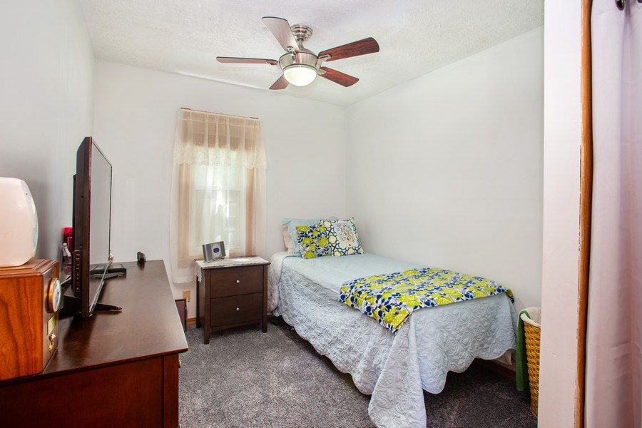 Real Estate Photography - 524 N Edgewood Ave, Wood Dale, IL, 60191 - Bedroom