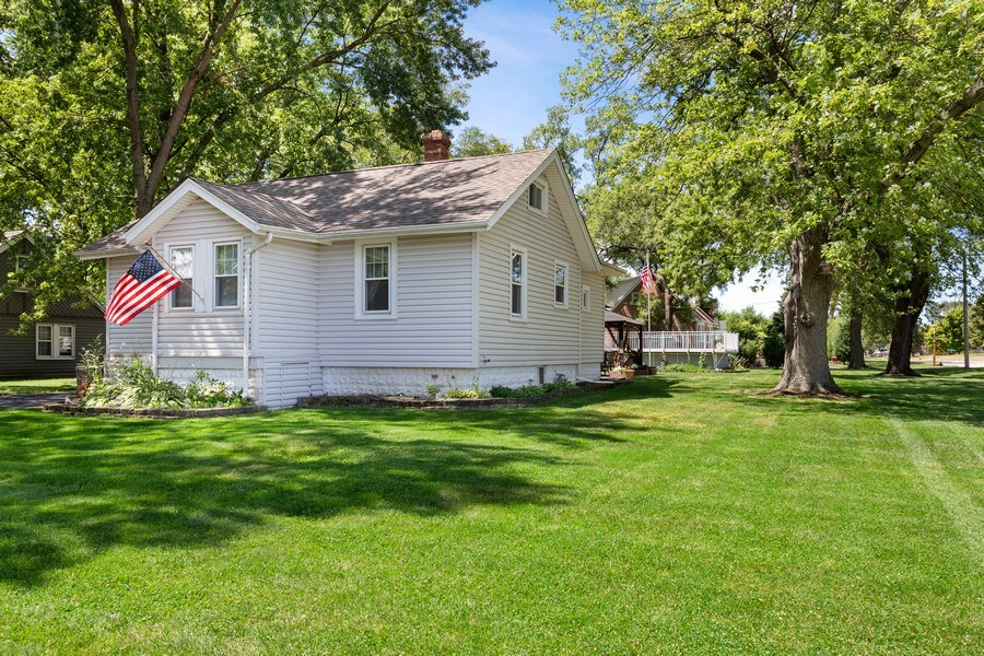 Real Estate Photography - 524 N Edgewood Ave, Wood Dale, IL, 60191 - Side View