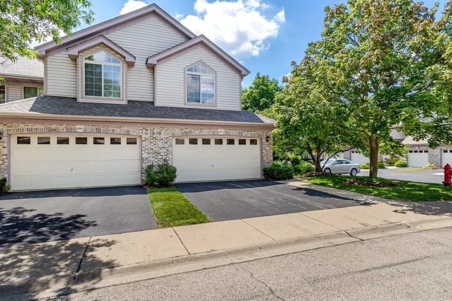 Real Estate Photography - 1501 N saint Marks, Palatine, IL, 60067 - Garage