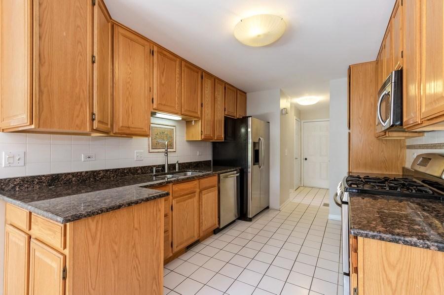 Real Estate Photography - 1501 N saint Marks, Palatine, IL, 60067 - Kitchen