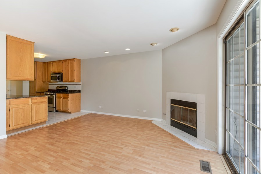 Real Estate Photography - 1501 N saint Marks, Palatine, IL, 60067 - Kitchen / Dining Room