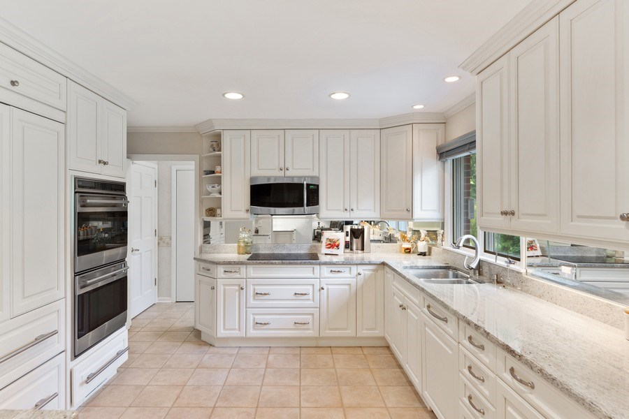 Real Estate Photography - 3451 W Mardan Dr, Long Grove, IL, 60047 - Kitchen