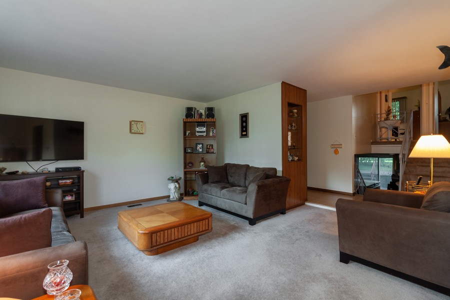 Real Estate Photography - 928 Greenfield Ct., Mt. Prospect, IL, 60056 - Living Room