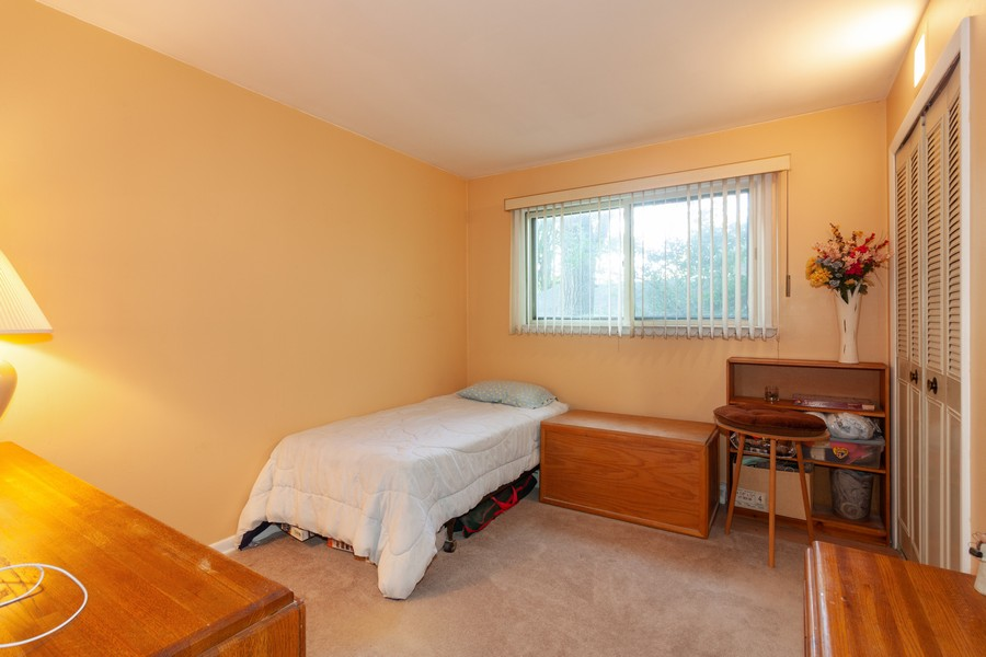 Real Estate Photography - 928 Greenfield Ct., Mt. Prospect, IL, 60056 - 2nd Bedroom