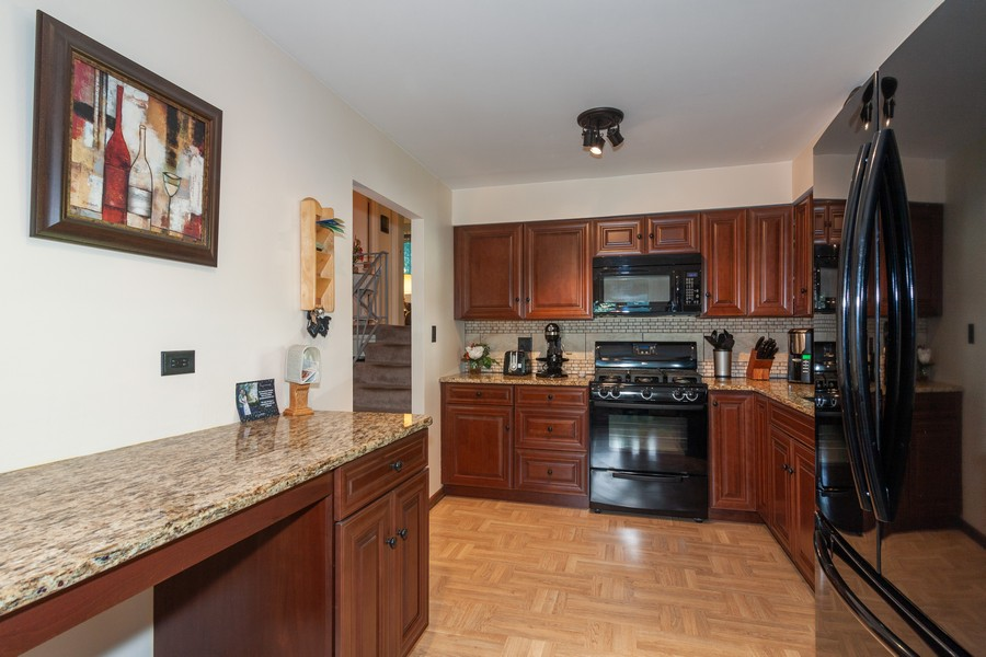 Real Estate Photography - 928 Greenfield Ct., Mt. Prospect, IL, 60056 - Kitchen