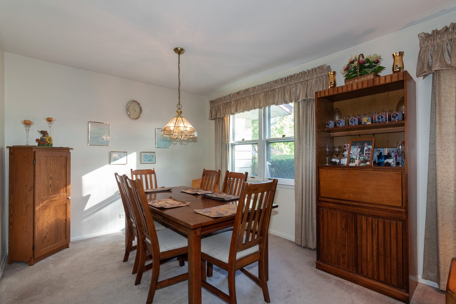 Real Estate Photography - 928 Greenfield Ct., Mt. Prospect, IL, 60056 - Dining Area