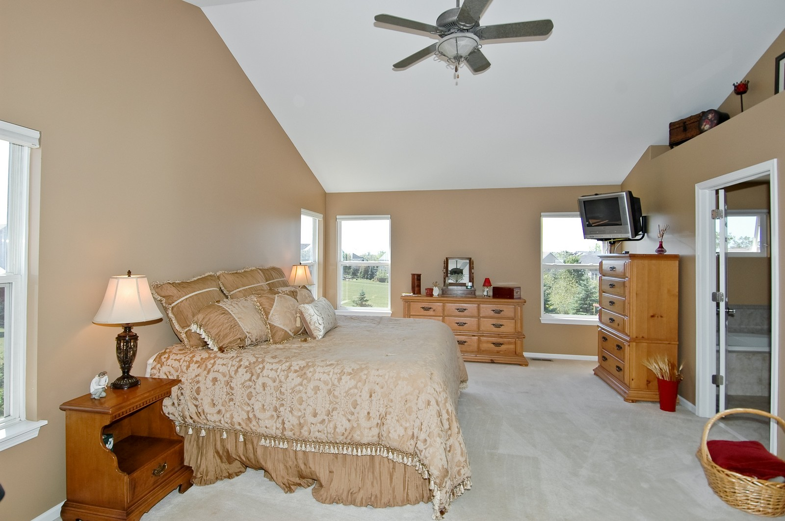 Real Estate Photography - 1484 Rolling Hills Drive, Crystal Lake, IL, 60014 - Master Bedroom