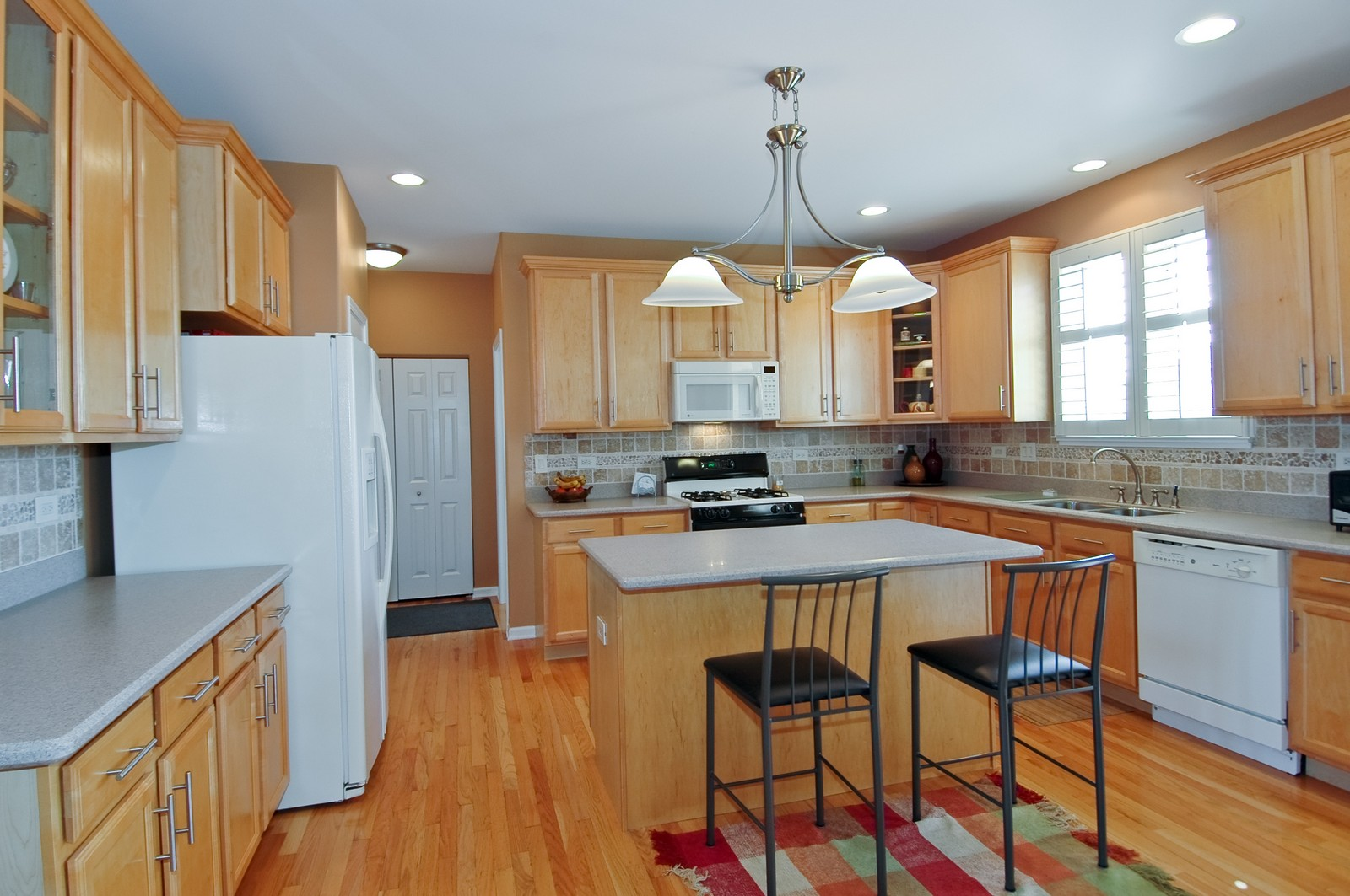 Real Estate Photography - 1484 Rolling Hills Drive, Crystal Lake, IL, 60014 - Kitchen