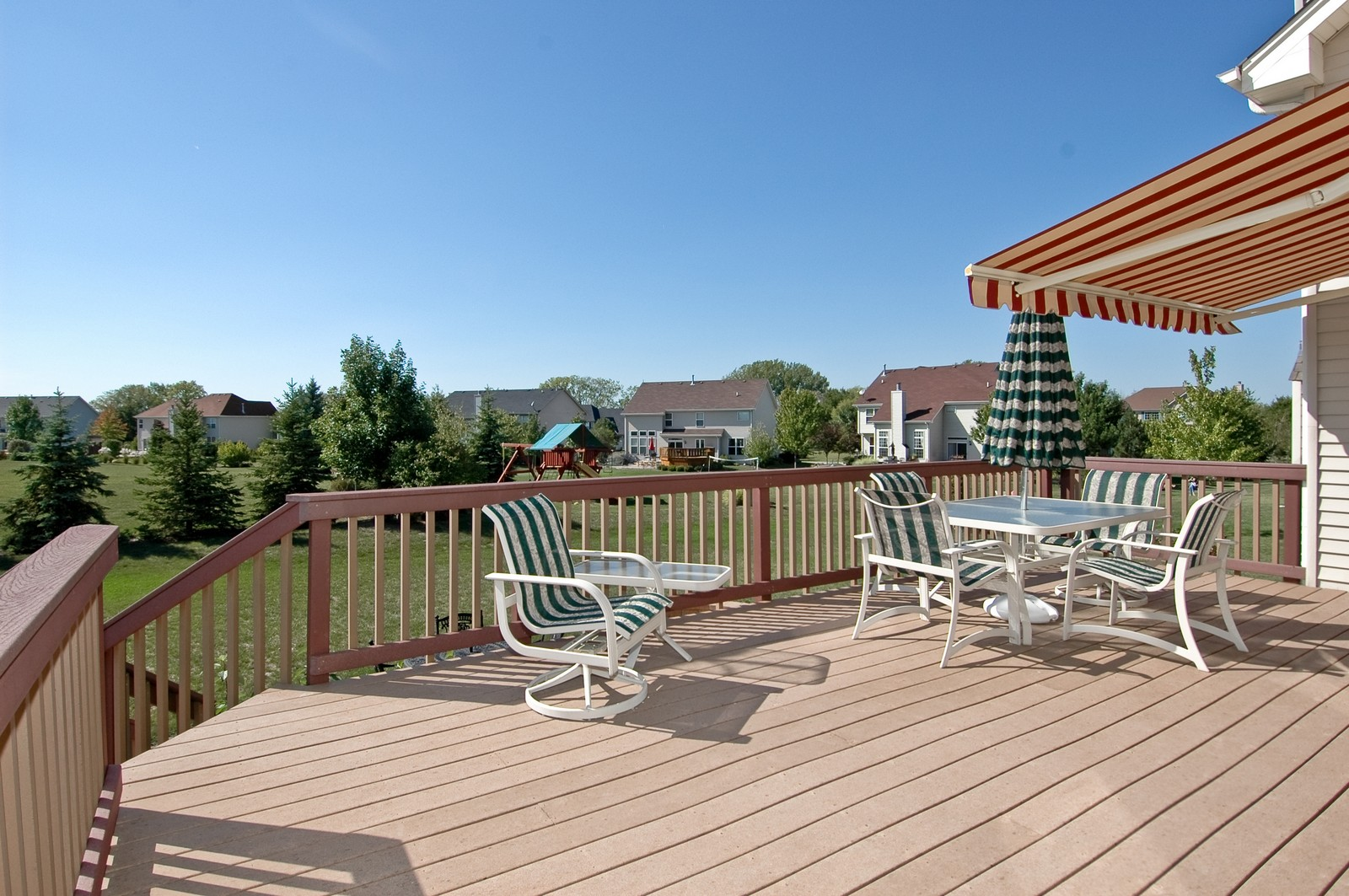Real Estate Photography - 1484 Rolling Hills Drive, Crystal Lake, IL, 60014 - Deck