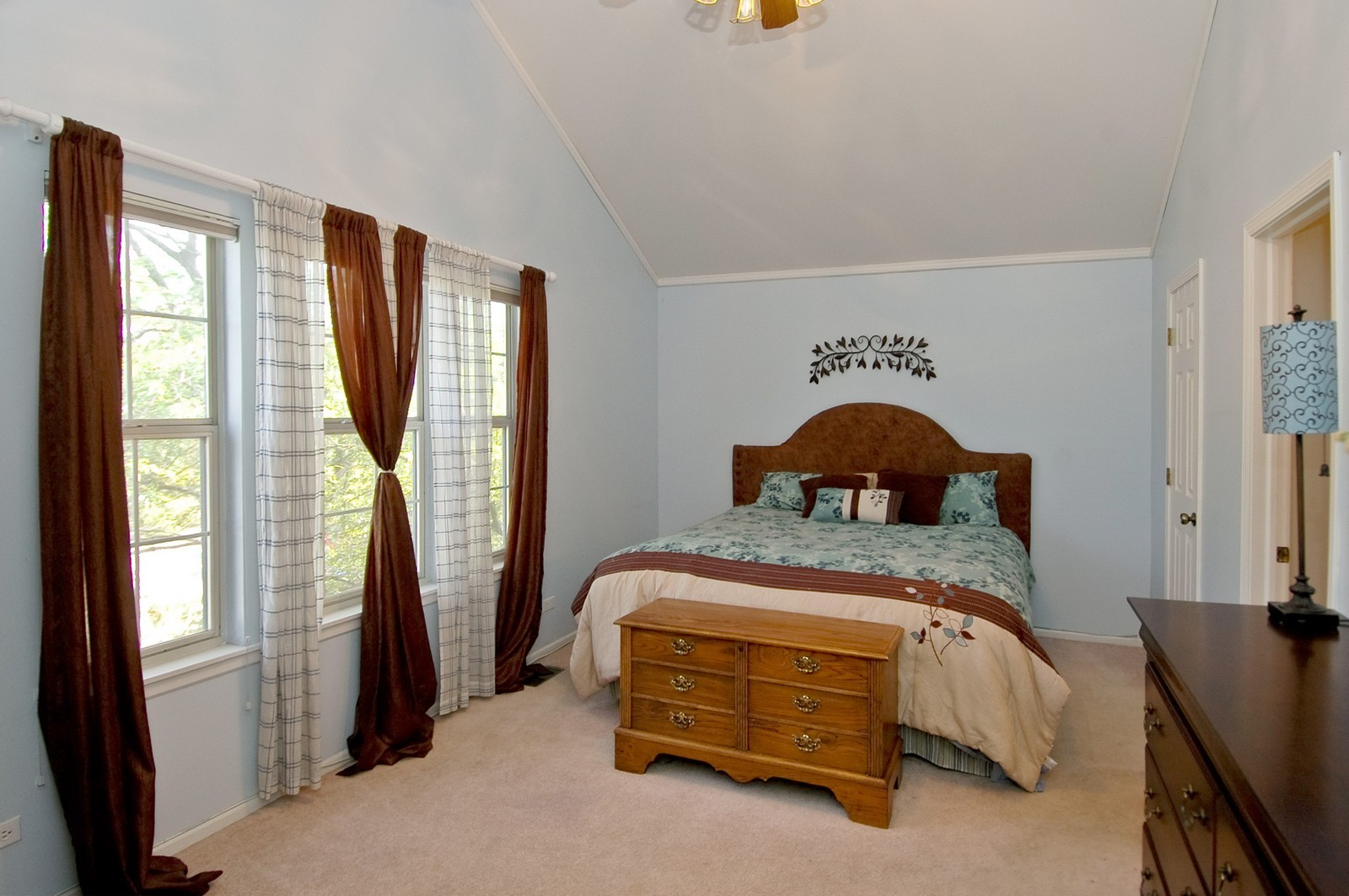 Real Estate Photography - 1724 Becker Court, Crystal Lake, IL, 60014 - Master Bedroom