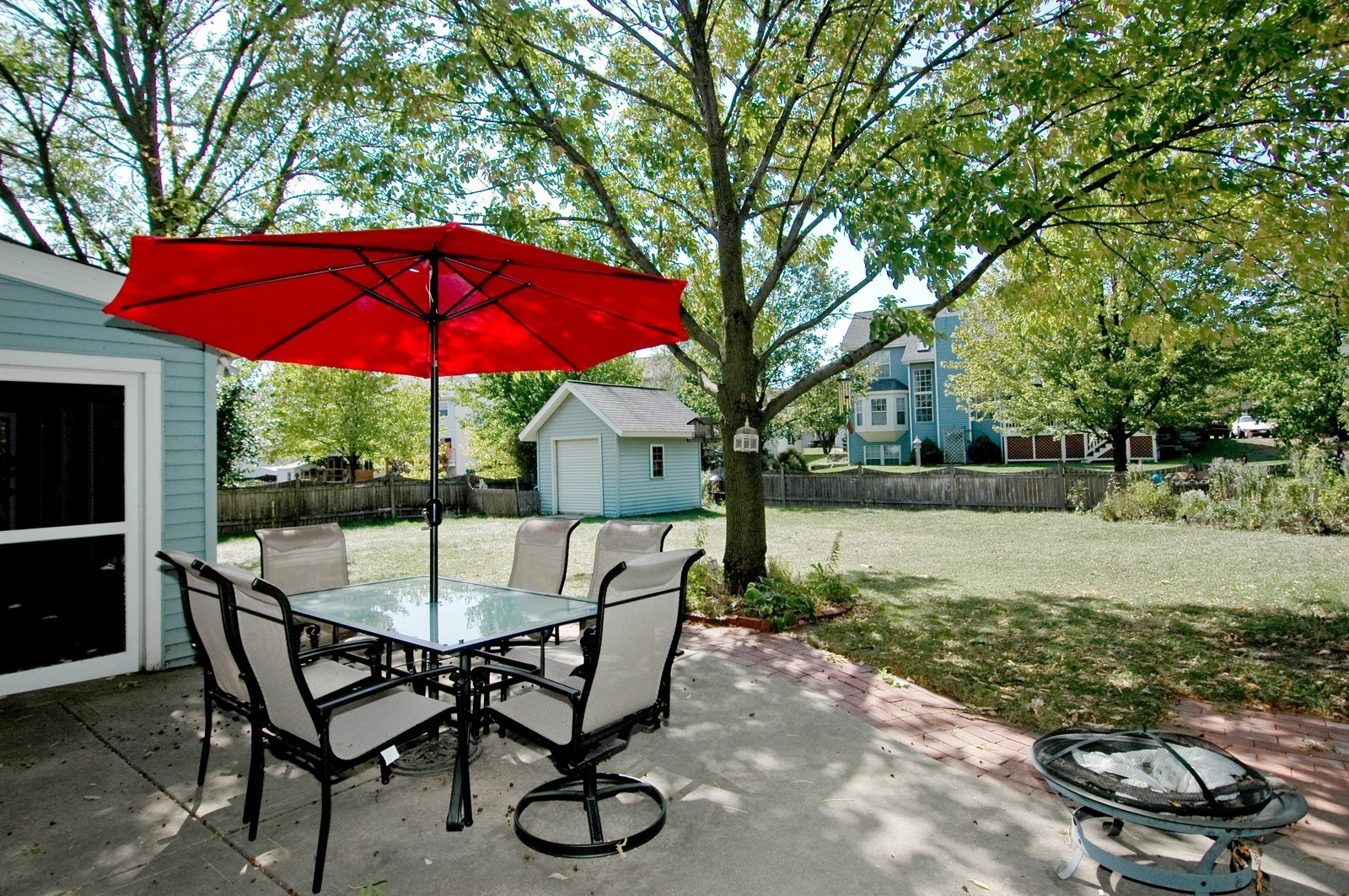Real Estate Photography - 1724 Becker Court, Crystal Lake, IL, 60014 - Back Yard