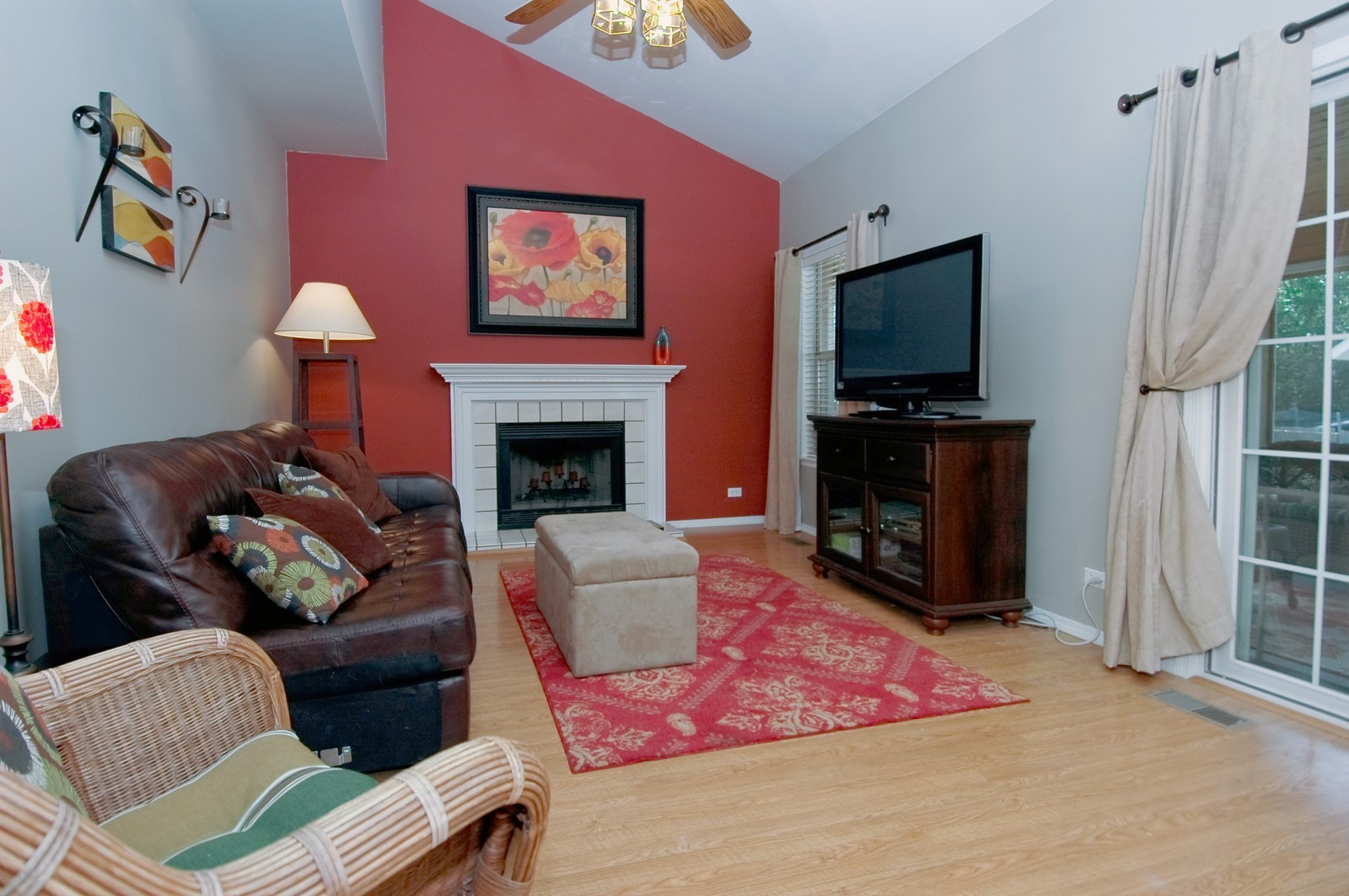 Real Estate Photography - 1724 Becker Court, Crystal Lake, IL, 60014 - Family Room