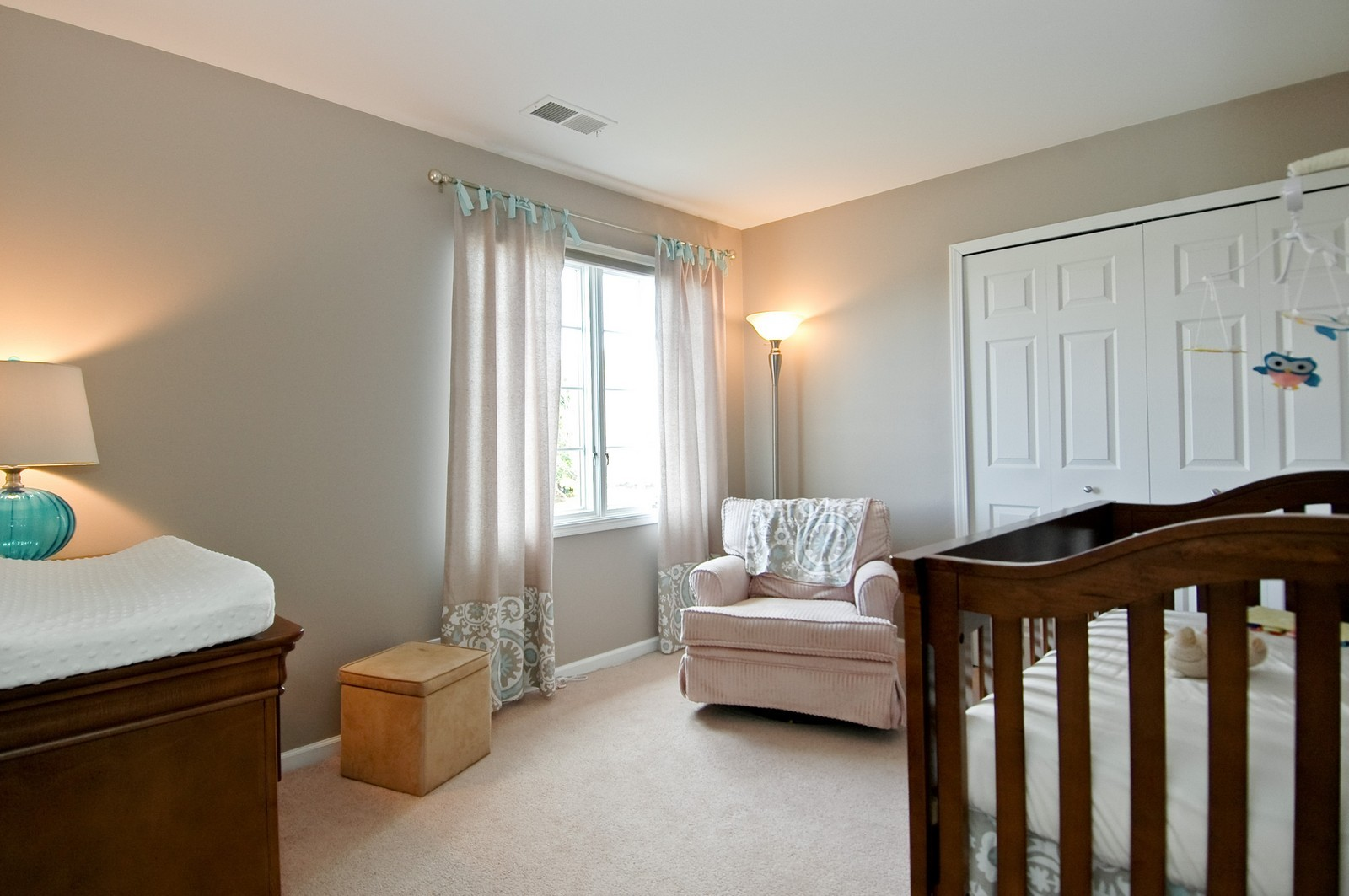 Real Estate Photography - 1274 Hunters Ridge East, Hoffman Estates, IL, 60192 - 3rd Bedroom