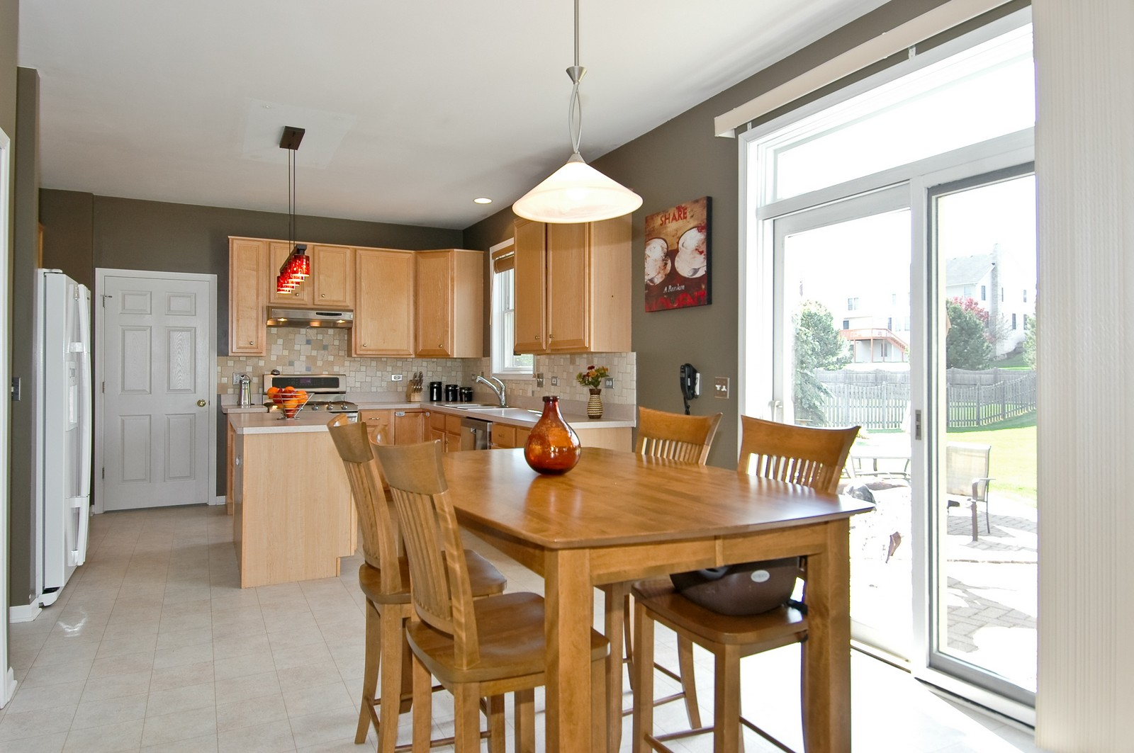 Real Estate Photography - 1274 Hunters Ridge East, Hoffman Estates, IL, 60192 - Kitchen