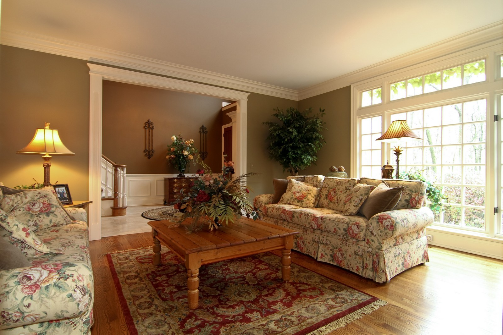 Real Estate Photography - 810 Fox Glen Drive, St. Charles, IL, 60174 - Living Room